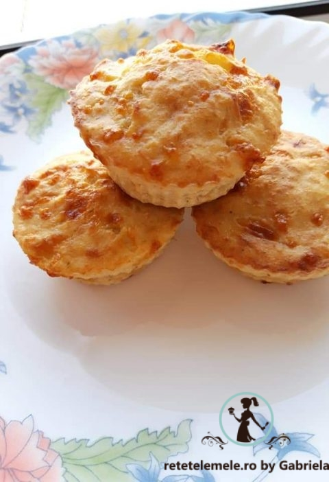 Brioșe cu piept de pui și mozzarella 5
