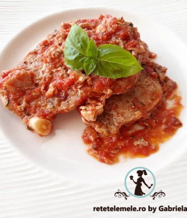 Pulpa de porc cu sos de roșii 1