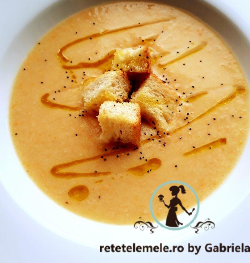 Supa crema de legume si piept de pui, ideala in problemele gastrice, diversificare sau pentru intreaga familie