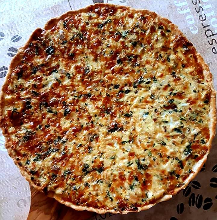 Tartă cu pui, mozzarella, conopida si spanac