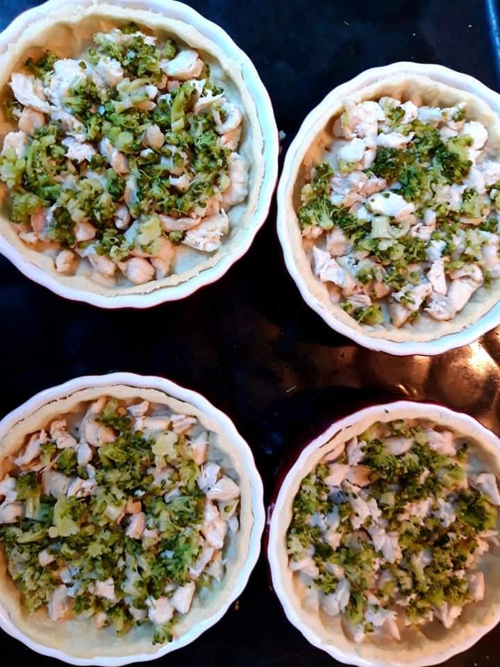 Quiche cu broccoli și pui