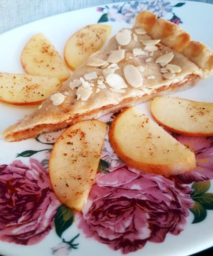Plăcintă cu mere și migdale