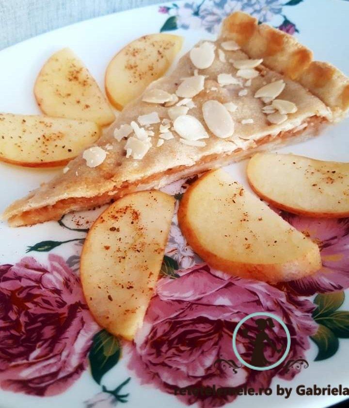 Plăcintă delicioasă cu mere 1