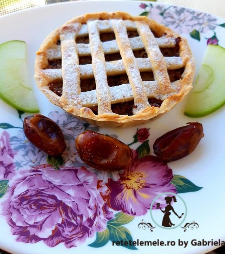 Tarta cu mere și nuci